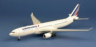 Air France Airbus A330-200 F-GZCN 1/200 Herpa