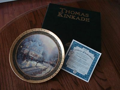 """New Thomas Kinkade """"A Holiday Gathering"""" 9¼"""" Plate Limited Edition Cherry Stand"""