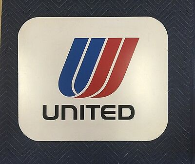 United Airlines Airport Sign