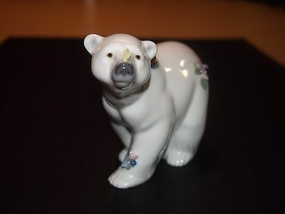 Lladro Polar bear with flowers, no chips or cracks,