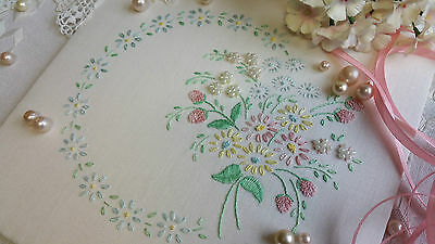 Beginners Embroidery Kit 'Emmie' : Beautiful Kits from Maggie Gee Needlework