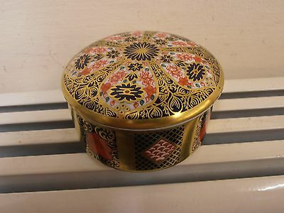 Royal Crown Derby Imari 1128 lided oval box . First Quality.
