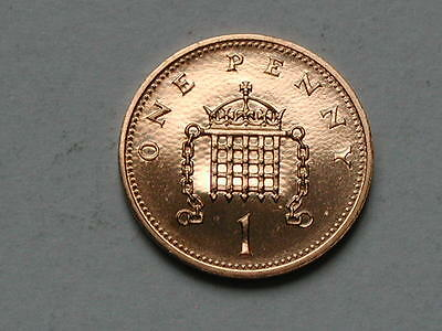 UK (Great Britain) 1990 ONE PENNY PROOF (1p) Queen Elizabeth II Coin UNC