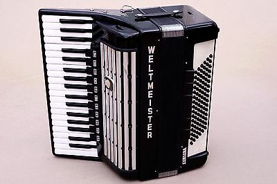 Very Nice German Accordion Weltmeister Consona 96 bass Including Case