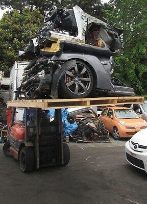 Nissan Gt-R Cba R35 X1 Unit Half Cut And Parts Fob Japan Ship Worldwide Recycle!