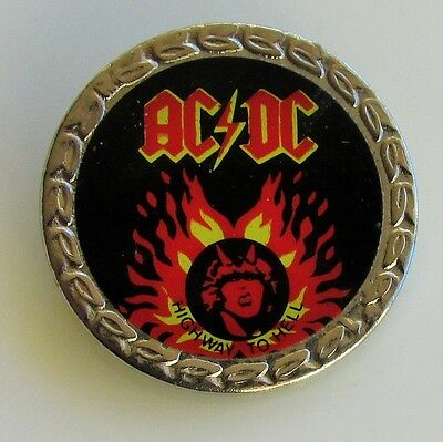 AC/DC HIGHWAY TO HELL OLD METAL PIN BADGE FROM THE 1980's VINTAGE RETRO