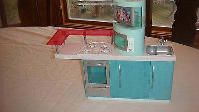 2006 BARBIE Doll  Kitchen with TV