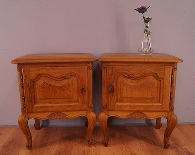 1100 !! Stunning Oak Bedside Tables In Louis Xv Style !!