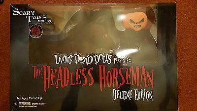 living dead dolls, scary tales deluxe edition, the headless horseman and horse
