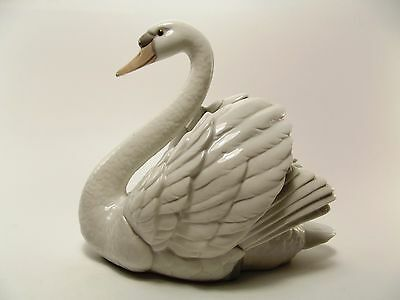 Lladro Figurine Swan With Open Wings No 5231 In Original Box Ref 1479/1