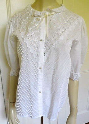 Innovators white broderie anglaise pintucked vintage blouse size 12 (US 8)