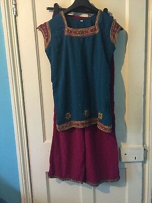 Gorgeous Women's Dark Teal And Pink Sleeveless Churidar Suit, Size S