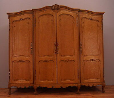 1121 !! Superb French Oak Wardrobe/armoire In Louis Xv Style !!
