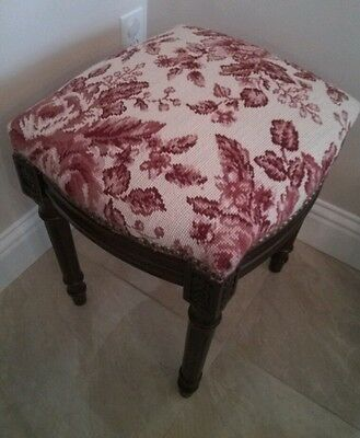 NEEDLEPOINT BENCH CARVED WOOD STOOL PIANO VANITY UPHOLSTERED ~ Shabby Chic Roses