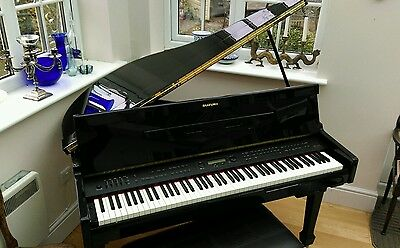 Suzuki Baby Grand Piano