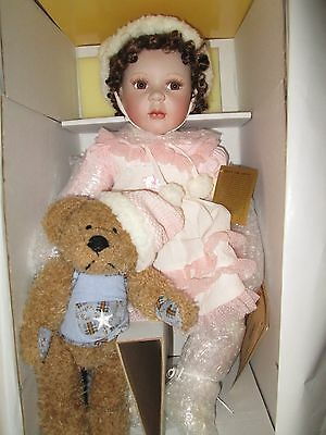 """Seymour Mann """"Lucy"""" 21 inch porcelain doll *NRFB *COA * Signature Collection"""