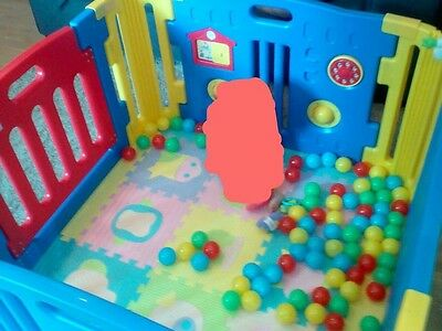 Plastic Baby Playpen with Activity panel & corner extensions 8 pcs, with balls
