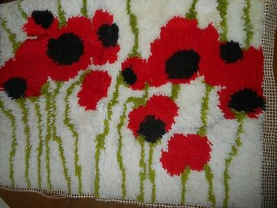 """Small Handmade Vintage Latch Hook Poppies Red Green White Approx. 19"""" x 26"""""""