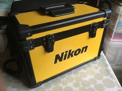 Vintage Nikon Camera case from 1975-6 in excellent condition.