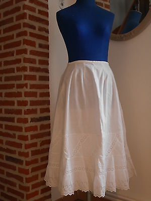 Ancien Jupon 1900 Large Volant Broderie  Anglaise