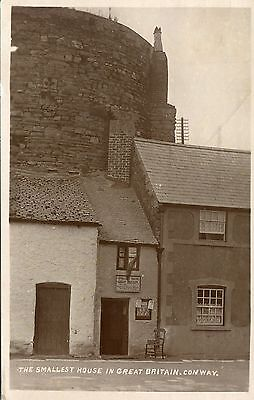 Postcard The Smallest House in Great Britain Conway Wales 1930's Used (49)
