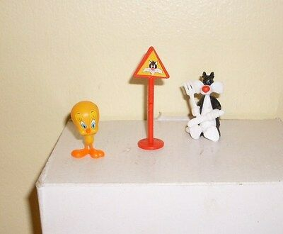 Vintage Kinder Toys Eggs 1990s Fb 3 Piece Looney Tunes Tweety Bird Sylvester Sig