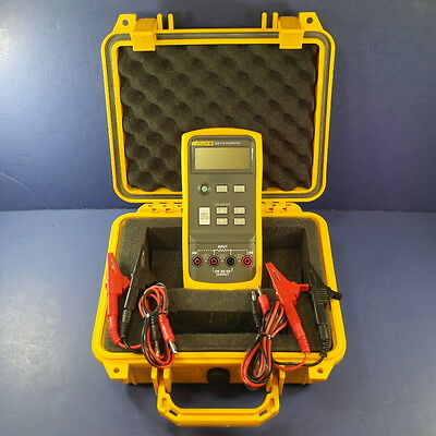 Fluke 712 RTD Calibrator, New Condition, with Deluxe Case and More!