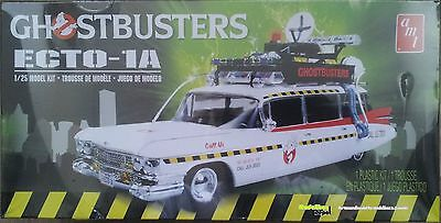 AMT 0750 Ghostbusters ECTO-1A   1:25