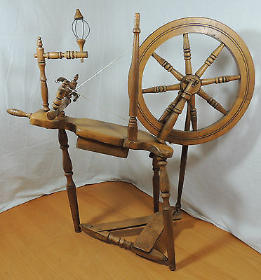 """EA Griffis Vintage Small DECORATIVE Wooden Spinning Wheel 14 1/2"""" 37cm Alhambra"""