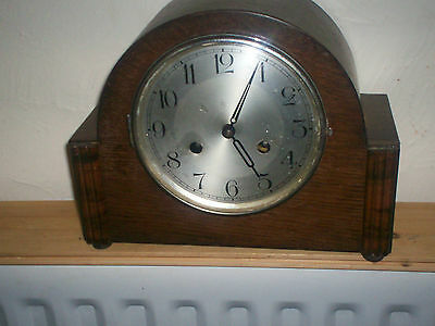 Lovely Art Deco Striking Mantle Clock