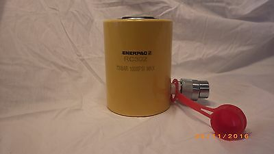 ENERPAC RC-302 Hydraulic Cylinder, 30 tons, New