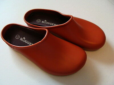 Sloggers Red Rubber Garden Clogs - Eur. 39 - 8 M - Made In U.s.a.