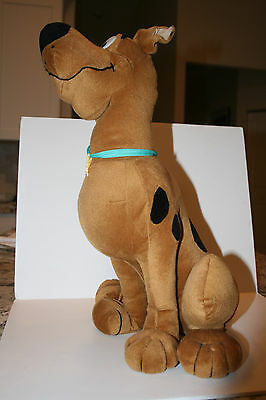 "18.5 "" Scooby Doo Plush Stuffed Animal Exclusive for Six Flags Parks"