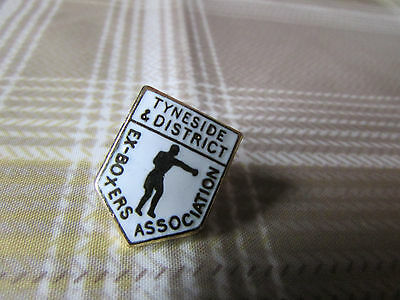 TYNESIDE & District Ex Boxers Association Boxing Pin Badge