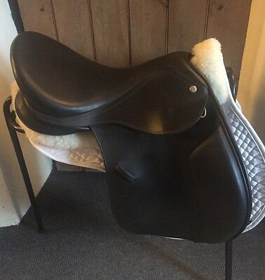 "Monarch Gp-X 17.5"" Adjustable Saddle"