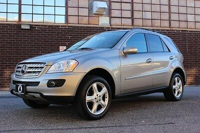 2008 Mercedes-Benz M-Class 4Matic Sport Utility 4-Door BEAUTIFUL 2008 MERCEDES-BENZ ML350 4-MATIC, LOADED WITH OPTIONS, JUST SERVICED!