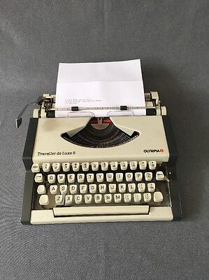 Vintage Typewriter OLYMPIA TRAVELLER DeLUXE S'  New Ribbon