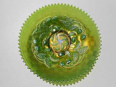 """Northwood Green Carnival Glass Strawberry Plate 8 7/8"""""""