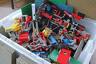 12 Kilograms of mixed LEGO, including Technic sets