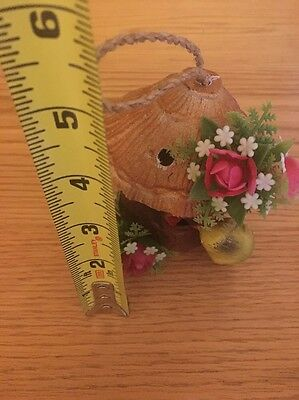 Vintage 1972 Plastic Bird House Flowers Mama Feeding Baby Birds Decor Hanger