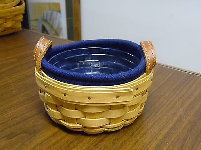 Longaberger Double Handled Round Basket w/Navy Liner, Protector