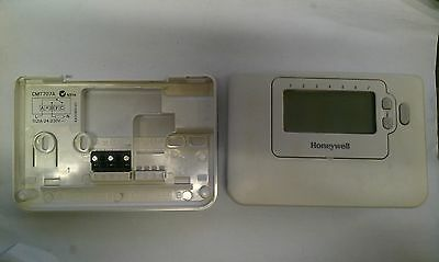 NEW Honeywell 1DAY Programmable Room Thermostat Control CMT901A1044 CM901
