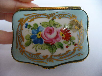 Antique LIMOGES FRANCE signed Rene C hand painted roses trinket box pill box