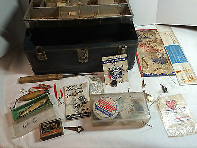 Vtg Metal Climax Fishing Tackle box Lures Rapala Wobbler Box + Paper hooks +++