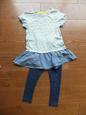 Girls short sleeved top and cropped leggings set.  From Next.  Age 5 years.