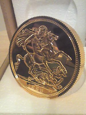 Bnib Giant Sovereign Gold Coin Paperweight/ornament