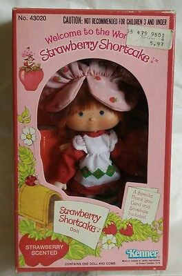 Vintage FLAT HAND in BOX EARLY VERSION Strawberry Shortcake Doll  1980