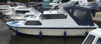 Canal cruiser. River cruiser. 22' with great mooring