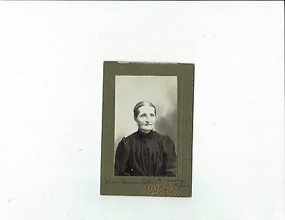 Antique cabinet photo, Armaly photographer, St. Mary, Beauce, Quebec, woman