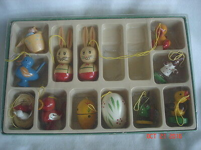 ADORABLE BOXED LOT 12 Vtg. GERMANY Frohlicher Osterschmuck WOOD EASTER ORNAMENTS